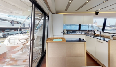 PRESTIGE 680 Yacht 3D Model